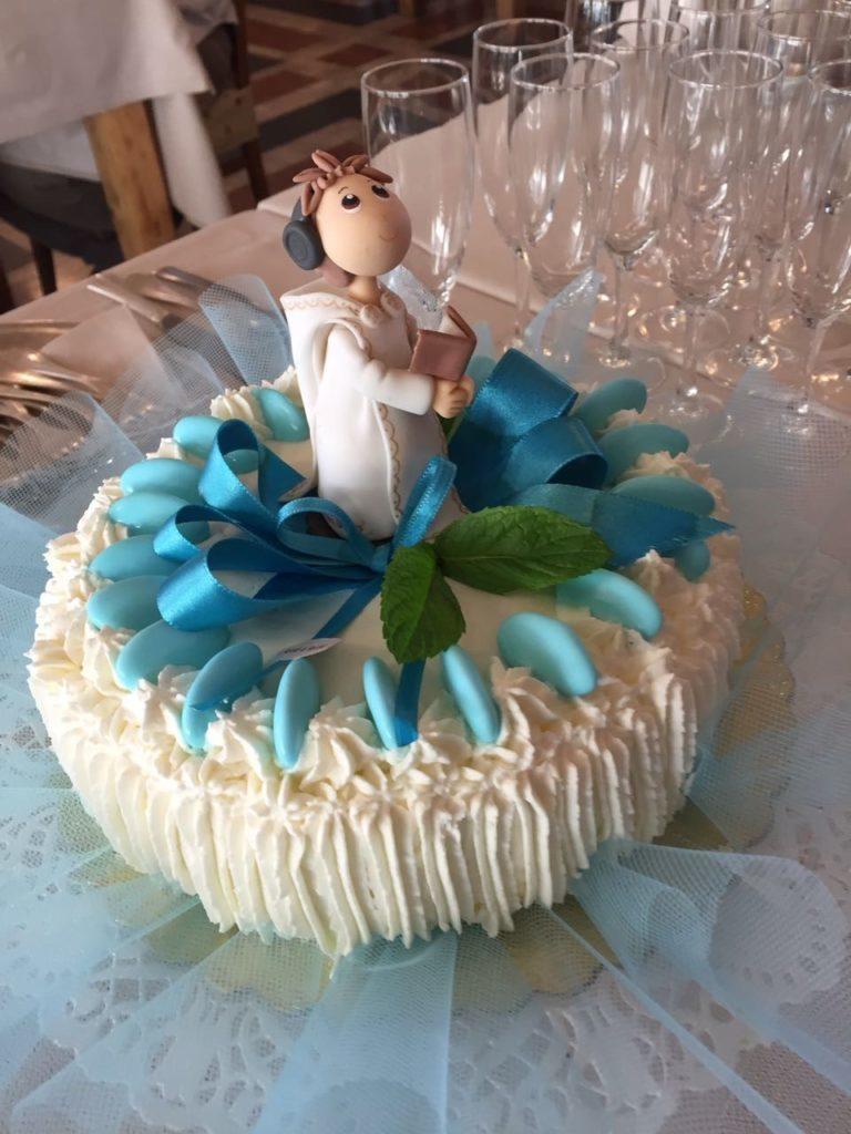 RISOMAIS-cake-topper-bimbo-comunione-con-saio-768×1024