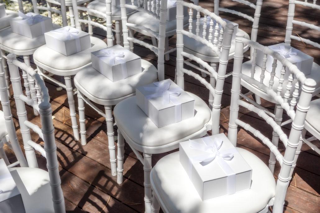 sedie con wedding bag box che aspettano gli ospiti