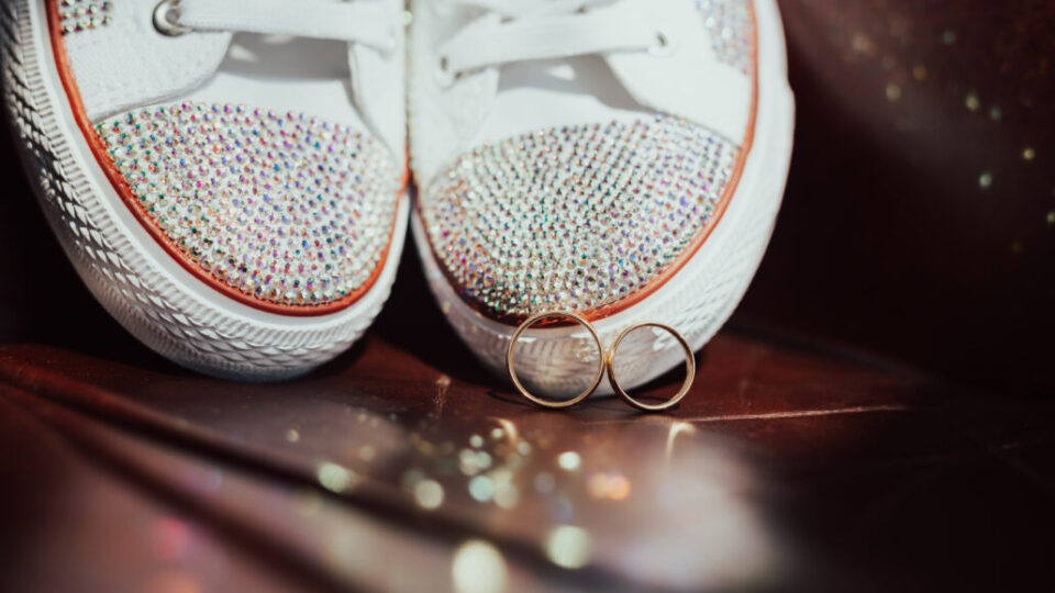beautiful-set-of-women-s-wedding-accessories
